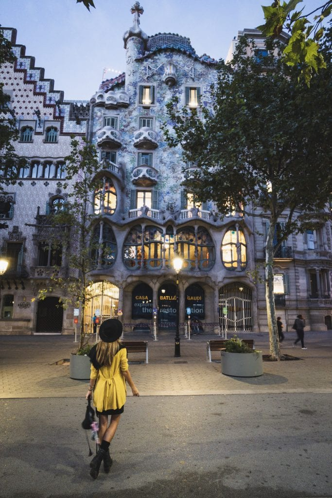 Casa Battle during the early hours in Barcelona Spain is one of the points of my Barcelona walking tour