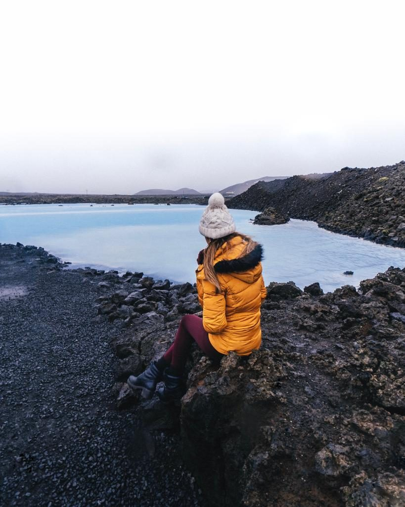 Things I knew before I went to iceland for the first time. Don't make the same stupid mistakes Cris and I did when traveling in Iceland for the first time. Regular travelers be warned, you'll never be prepared for Iceland if you don't do your research in advance, no matter how experienced traveler you are. #icelandtraveltips #icelandfirsttimersguide #icelandbluelagoontips #icelandtravel #icelandtips